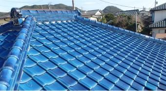 屋根塗装された瓦屋根