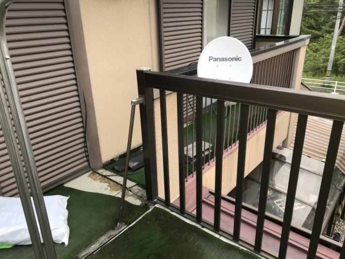 雨漏りしているベランダテント撤去