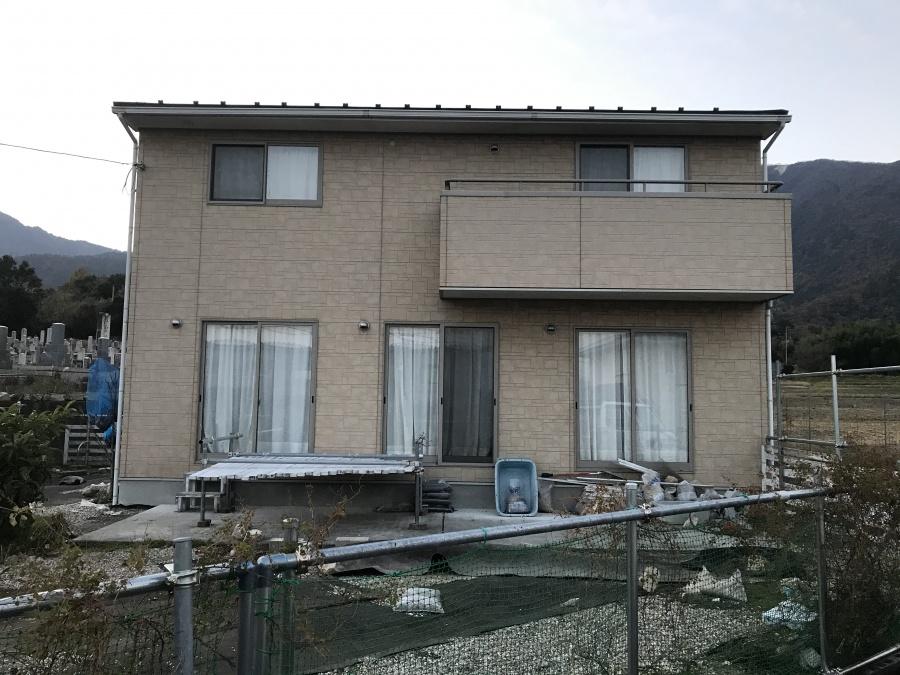 大津市にあるサイディング外壁やスレート屋根点検に伺いました
