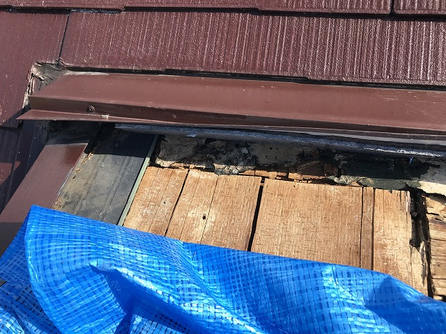スレート屋根の破損アップ