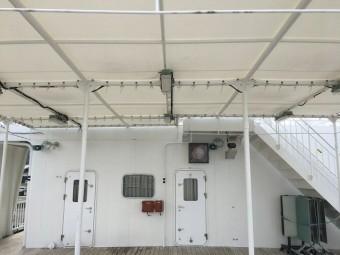 テント屋根のアップ