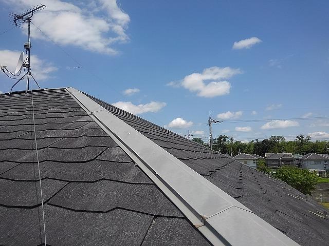 屋根とアンテナ