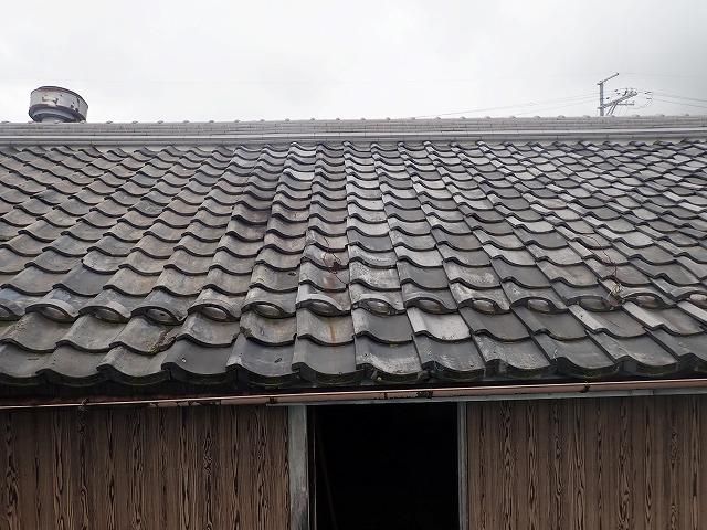 隣接している倉庫屋根