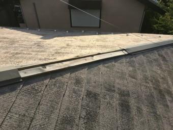 棟板金が風で飛ばされた