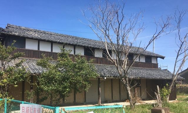 草津市にて日本瓦屋根の破風板取り替え工事を行いました