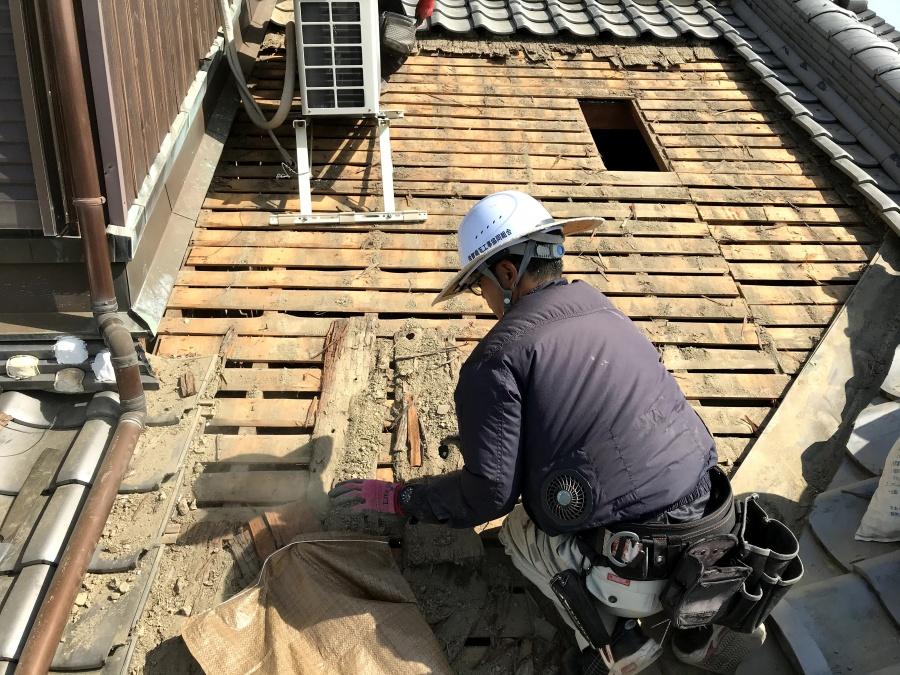 瓦屋根葺き直し