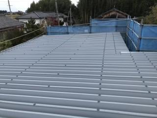 カバーした折半屋根