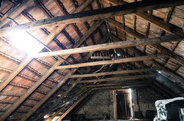 attic-112266_640