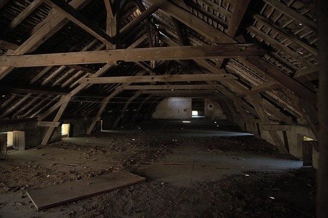 attic-1772705_640