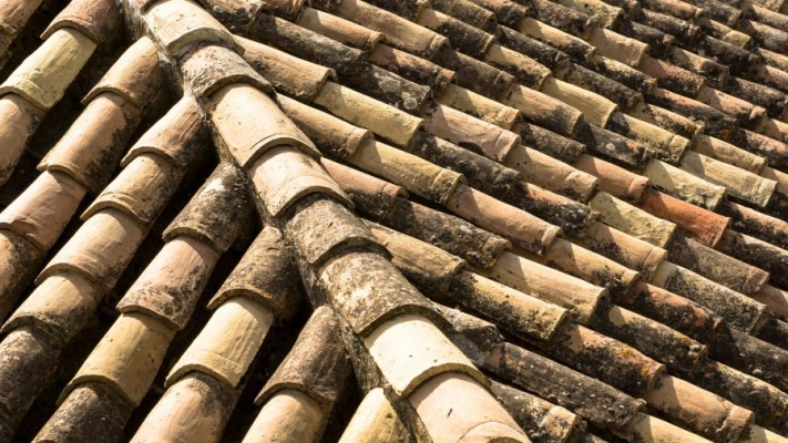 clay-roof-2533393_1920-columns1