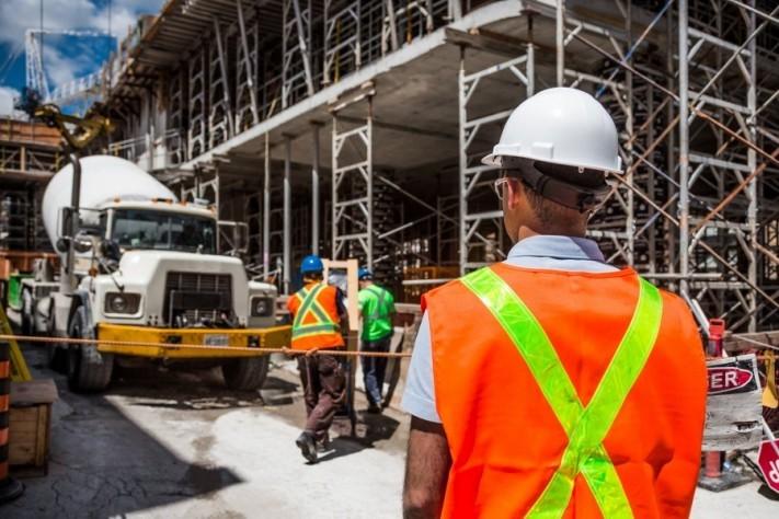 construction-2578410_1920-columns1