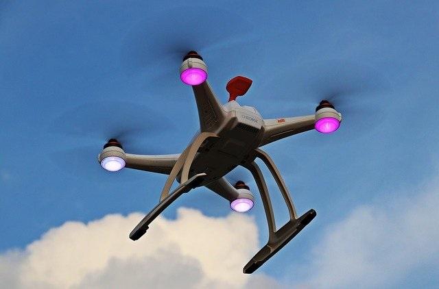 drone-1765141_640