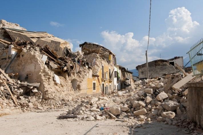 earthquake-1665878_1920-columns1