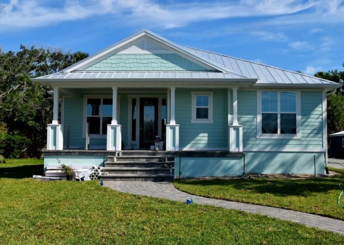 house-3362676_1920-columns1