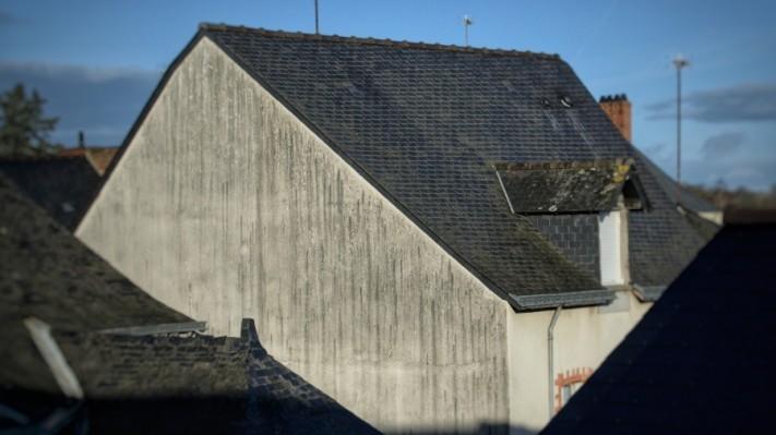 house-4766086_1920-columns1