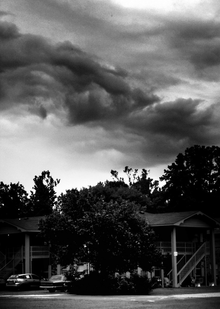 hurricane-21107_1920-columns1