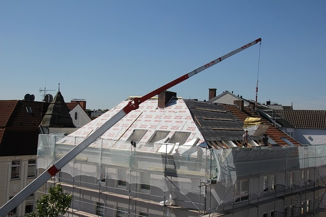 roofers-2681354_640