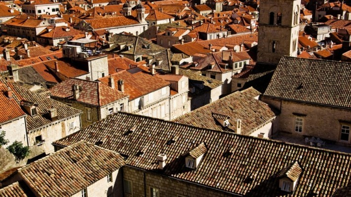 roofs-1186466_1280-2-columns1